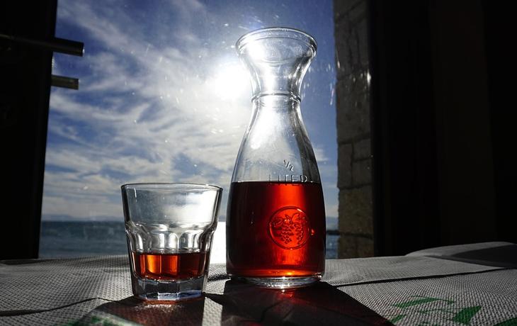 Вино в Греции.